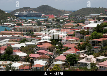 St. Thomas USVI Charlotte Amalie view from Blackbeard's Hill 99 Steps homes red roofs cruise ships - Stock Image