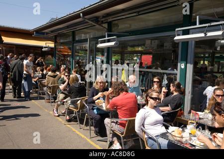 Vienna Naschmarkt street cafe - Stock Image