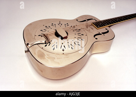 GUITAR a mid 1930s Style O resonator model similar to that played by Mark Knopfler - Stock Image