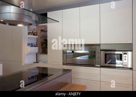 Top vent stock photos top vent stock images alamy for Stove top with built in vent