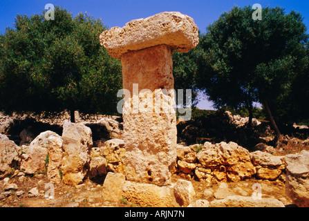 Taula de Binisafuet, neolithic Menorcan talayotic culture, Menorca, Balearic Islands, Spain, Europe - Stock Image