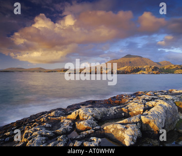 IE - CONNEMARA: Coastline at Lettergesh - Stock Image