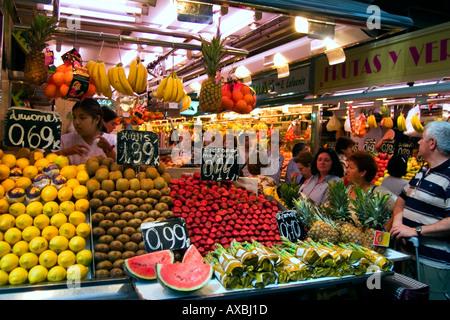 spain Barcelona market hall La Boqueria fruits - Stock Image