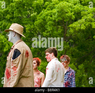 Zombies see something they are interested in - Stock Image
