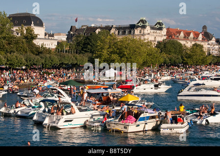 Switzerland Zurich street parade party boats on Zurich lake - Stock Image