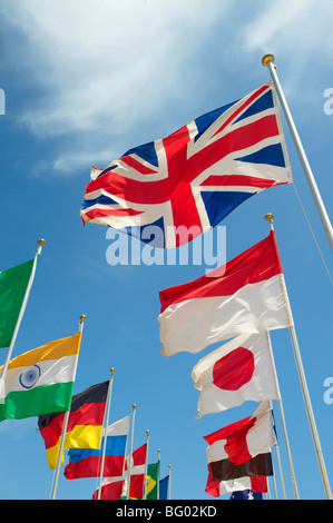 Union Jack and other world countries International flags flying - Stock-Bilder