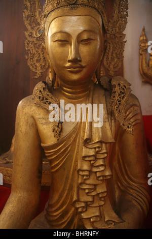 Myanmar, Burma, Amarapura, Bagaya Kyaung, Buddha statue, - Stock-Bilder