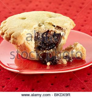 open single mince pie - Stock Image