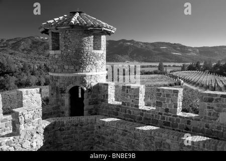 Castle turret at Castello di Amorosa. Napa Valley, California. Property relased - Stock-Bilder