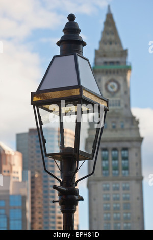 Lamppost with buildings in the background, International Place, Custom House Tower, Boston, Suffolk County, Massachusetts, - Stock-Bilder