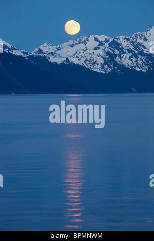 Full moon over Resurrection Bay, Seward, Alaska. - Stock-Bilder