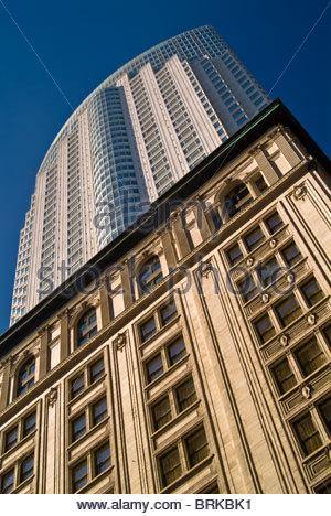 Contrasting building styles in Toronto, Ontario, Canada - Stock-Bilder