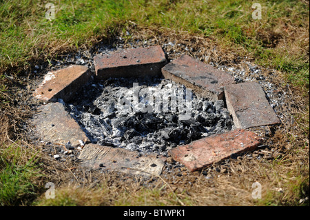 Image Result For Building A Fire Pit With Bricksa
