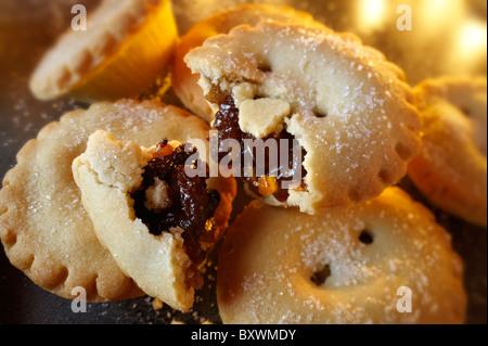 Traditional Christmas Mince Pies - Stock Image