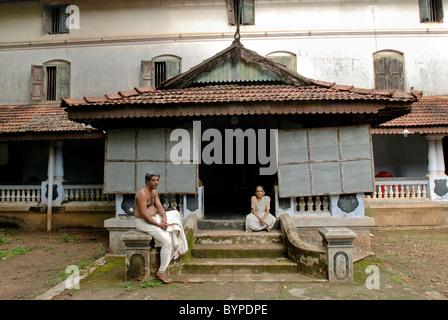 250 YEARS OLD KIRANGATTU MANA IN CHERPU KERALA - Stock-Bilder
