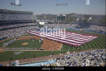 Los Angeles Dodgers Fans Stock Photos Amp Los Angeles