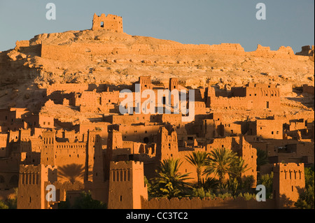 Morocco, South of the High Atlas, Ait Benhaddpu, Dawn Light on the Kasbah / Site of film shoots and most complete - Stock-Bilder