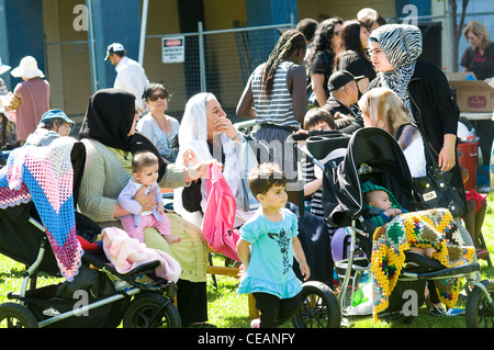 People of mixed cultures, highrise flats, fitzroy melbourne victoria australia - Stock-Bilder