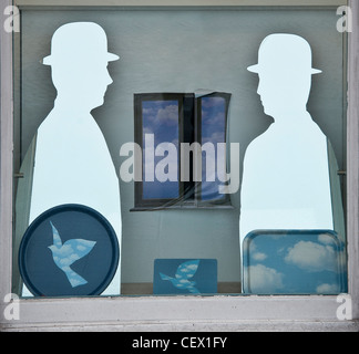 Rene magritte museum stock photos rene magritte museum for Rene magritte le faux miroir