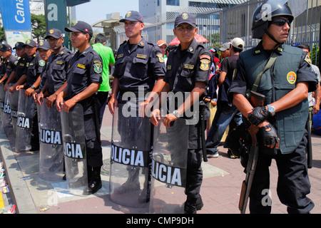 Lima Peru San Isidro Avenida Canaval y Moreyra street scene protest demonstration Petroperu Petróleos del Perú - Stock Image