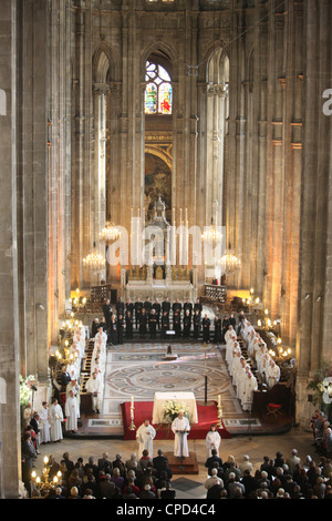 Mass in Saint-Eustache church, Paris, France, Europe - Stock Image