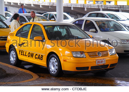 Mexico City Mexico DF D.F. Distrito Federal Benito Juarez International Airport Terminal 1 MEX Hispanic man driver - Stock Image