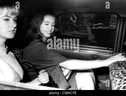 Mandy Rice Davies and Christine Keeler leaving Old Bailey after the first day of their trial in the Profumo scandal, - Stock-Bilder