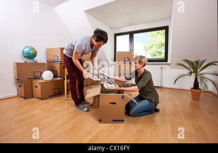 house rent couple stock photos house rent couple stock images alamy. Black Bedroom Furniture Sets. Home Design Ideas