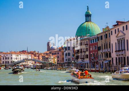 Italy, Europe, travel, Venice, San Simeon Dom and Scalzi bridge, Italy, Europe, travel, boats, bridge, dome, Canal - Stock-Bilder