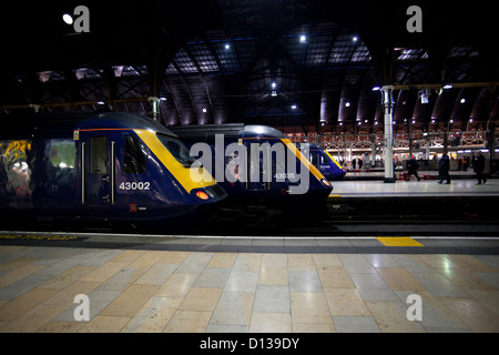 Trains at platforms in Paddington Railway Station, London, England, UK - Stock Image