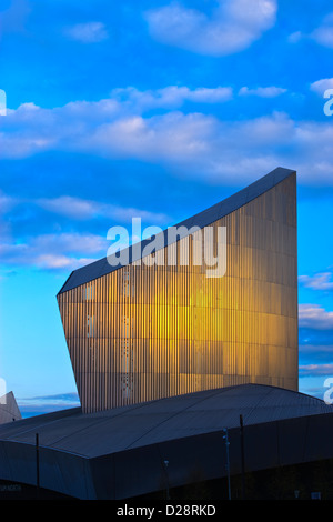 Imperial War Museum North Salford Quays Greater Manchester Lancashire England at twilight - Stock Image