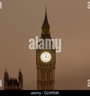 Big Ben clock tower lit up at night - Stock-Bilder
