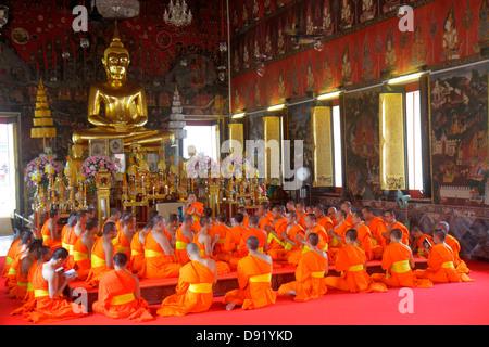 Bangkok Thailand Pom Prap Sattru Phai Wat Saket Ratcha Wora Maha Wihan Buddhist temple shrine inside interior gold - Stock Image