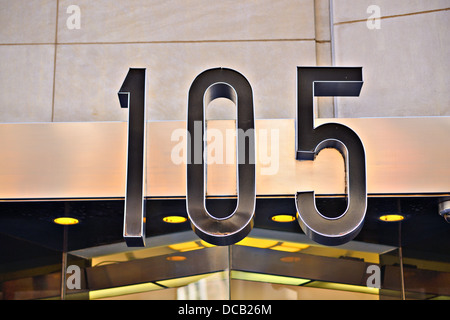 Building address number 105. - Stock-Bilder