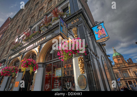 Deacon Brodies Tavern, Royal Mile, EDN, Edinburgh City, Scotland, UK - looking up - Stock Image