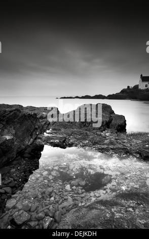 Moody shot of St Brides bay in pembroke, West Wales - Stock-Bilder