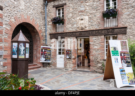 Office de tourisme stock photos office de tourisme stock - Office tourisme languedoc roussillon ...