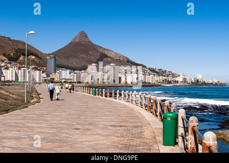 Sea Point oceanside promenade. Cape Town, Western Cape, South Africa. - Stock Image