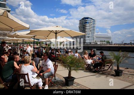 Hamburg Landungsbr Ef Bf Bdcken Cafe