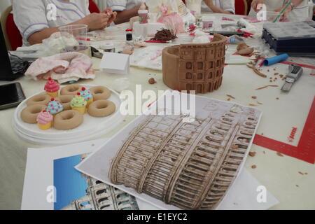 Cake Design Italian Festival Roma : Carfts Stock Photos & Carfts Stock Images - Alamy