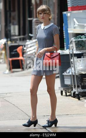 New York, NY, USA. 1st Aug, 2014. Taylor Swift out and about for Celebrity Candids - FRI, New York, NY August 1, - Stock Image