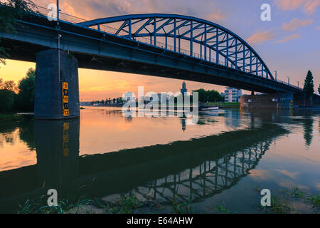 John Frost Bridge (John Frostbrug in Dutch) is the road bridge over the Lower Rhine at Arnhem, in the Netherlands. - Stock-Bilder