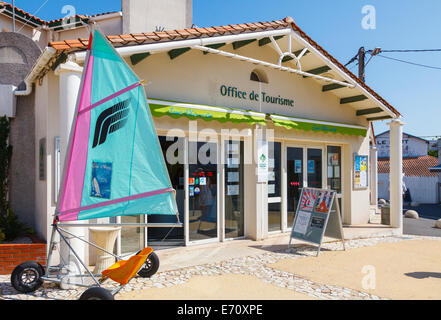 Saint palais sur mer stock photos saint palais sur mer stock images alamy - Office du tourisme st palais sur mer ...