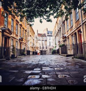 United Kingdom, Somerset, Bath,  Quiet alley - Stock Image