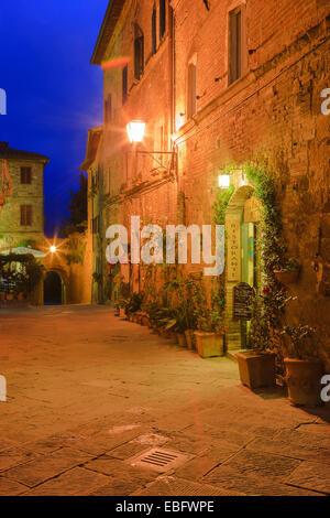 The streets of Pienza, Tuscany, Italy - Stock Image