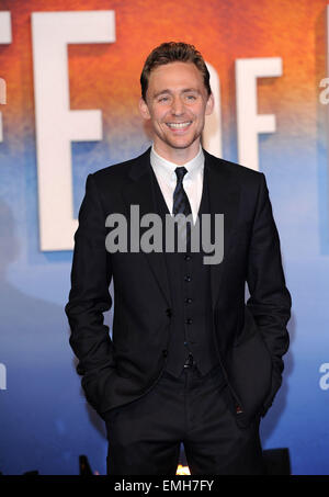 03.DECEMBER.2012. LONDON  TOM HIDDLESTON ATTENDS THE UK PREMIERE OF 'LIFE OF PI' AT THE EMPIRE CINEMA, LEICESTER - Stock-Bilder