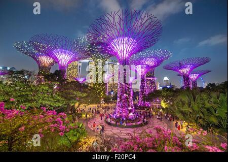 Singapore marina bay garden bay stock photos singapore marina bay garden bay stock images alamy - Garden by the bay flower show ...