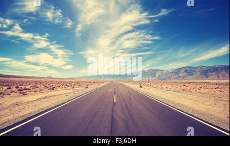Vintage style country highway in USA, travel adventure concept. - Stock-Bilder