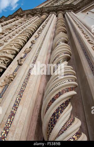 Italy, Umbria, Orvieto. The Cathedral of Orvieto or Duomo of Orvieto. 13th century Gothic masterpiece, one of the - Stock-Bilder