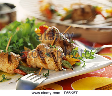 Veal brochettes with peppers - Stock Image